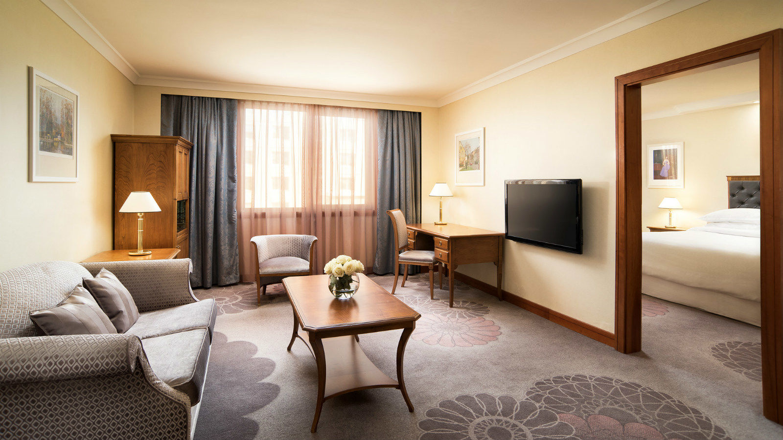 Living Room Zagreb deluxe room, sheraton zagreb hotel, official website